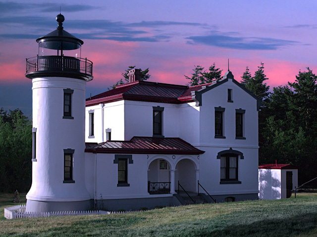 Scenic Washington, Puget Sound, Admiralty Head Lighthouse at Fort Casey on Whidbey Island